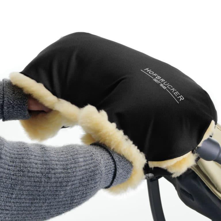 Hofbrucker Lammfellhandwärmer für Kinderwagen marine