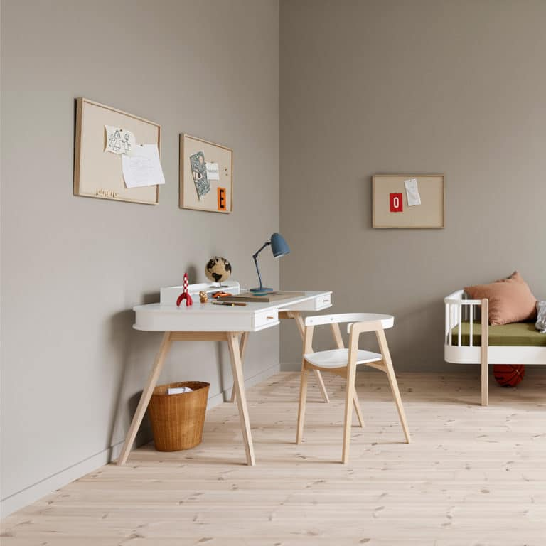 Oliver Furniture Wood Schreibtisch 66 cm & Armlehnstuhl 2